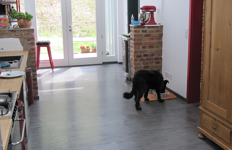 Fußboden Küche Betonoptik ~ Beton wall küche marburg wohndesign beton statt fliesen